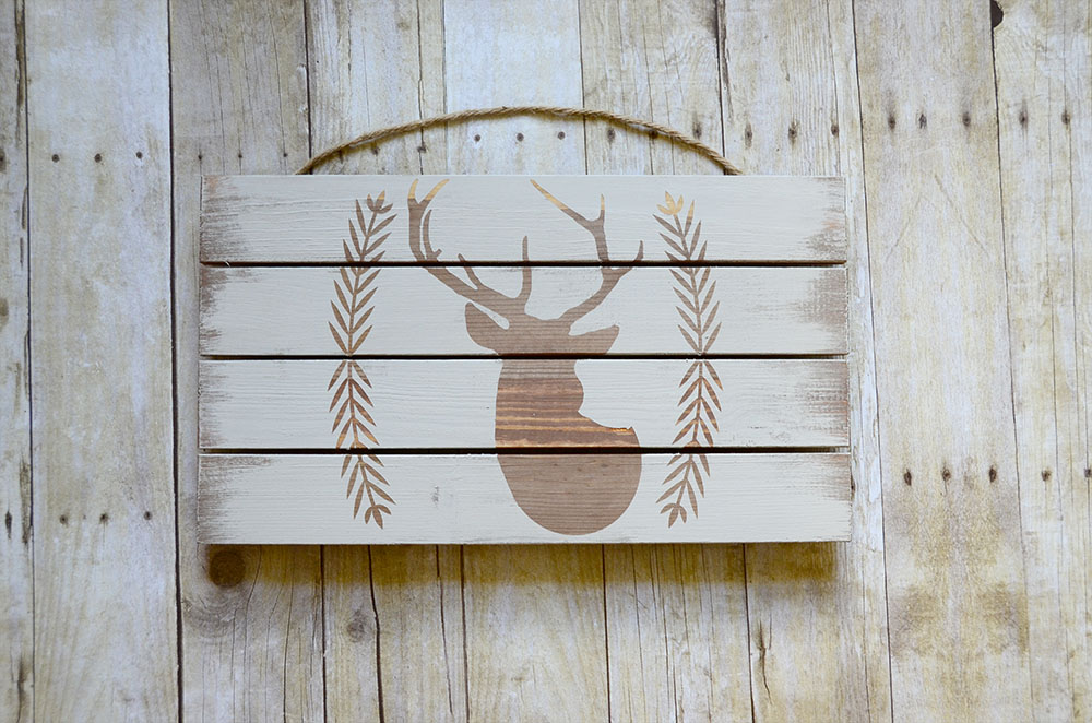 Rustic Pallet with Deer Sillouette DIY Project
